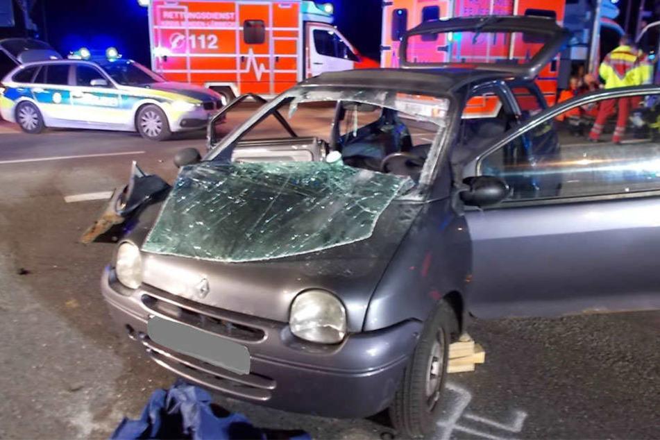 Dann krachte es auch bei einem Renault Twingo.