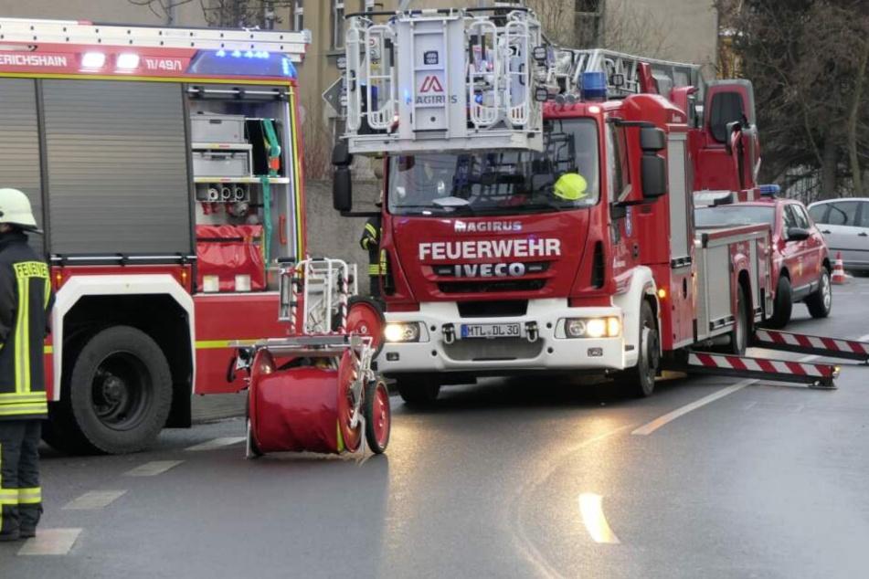 Einsatzkräfte der Feuerwehr am Mittwoch bei einem Brand in Machern.
