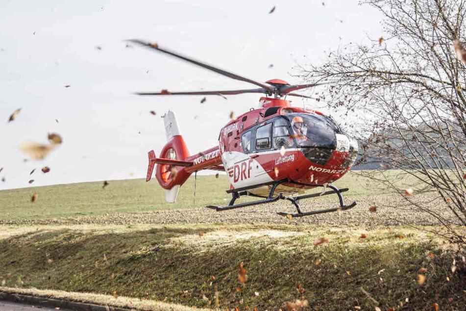 Mit dem Rettungshubschrauber wurde der 80-Jährige ins Krankenhaus geflogen.
