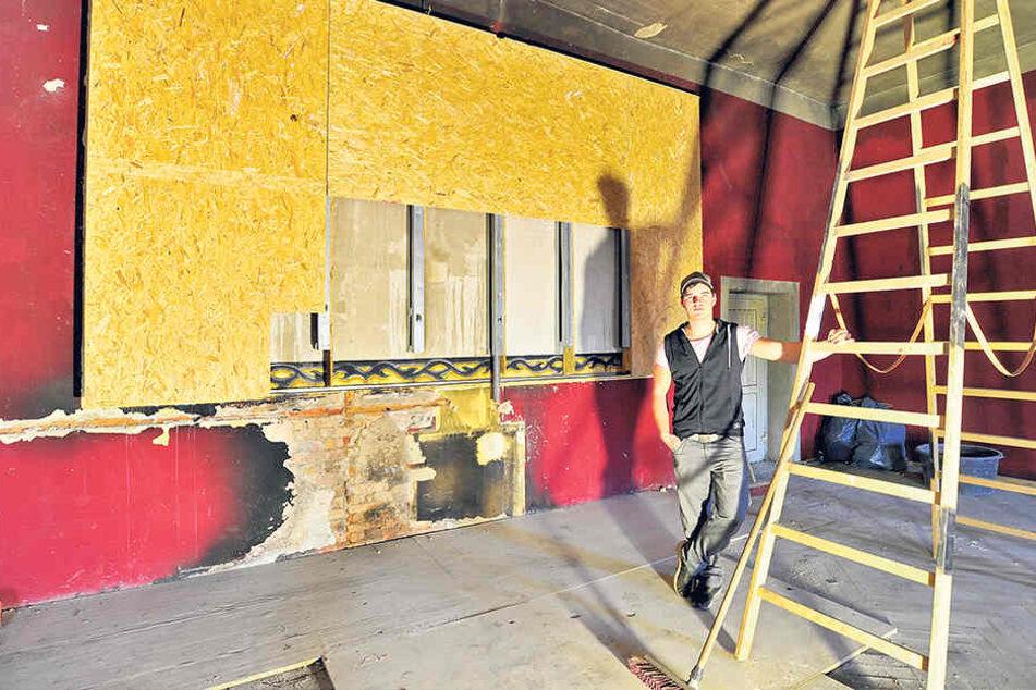 Die Arbeiten am Club haben begonnen. 60000 Euro Schaden hatte das Feuer angerichtet.