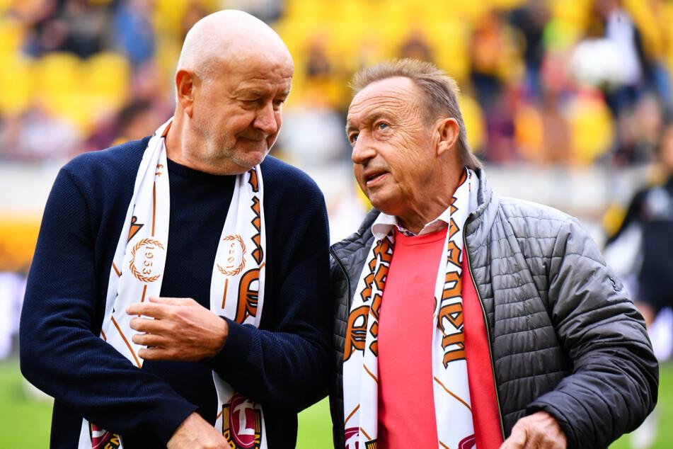 Hans-Jürgen Kreische (74, l.) und Joachim Streich (70) trafen Mitte der 1970er Jahre mit der DDR auf Frankreich um Jean-Pierre Adams (†73).