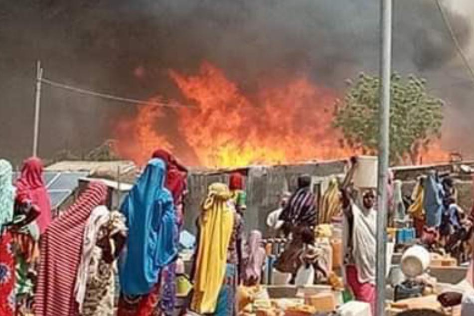 Mindestens 14 Tote bei Großfeuer in Flüchtlingslager