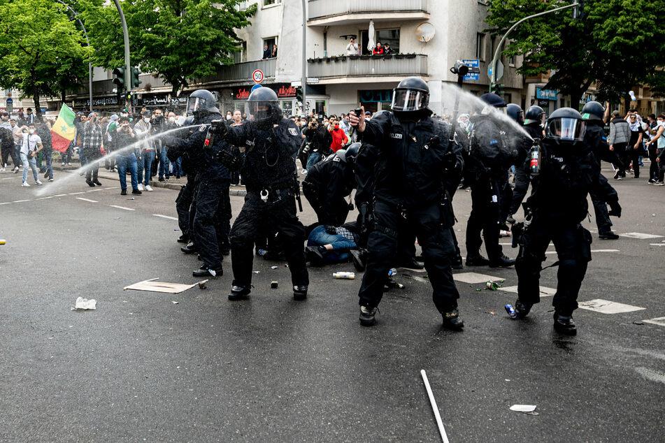 Berlin: Offener Israel-Hass in Berlin: Massive Ausschreitungen bei pro-palästinensischer Demo