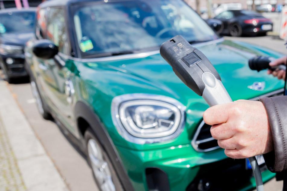 Deutlich mehr Elektroautos in Süddeutschland: Ist der Osten bei der E-Mobilität benachteiligt?