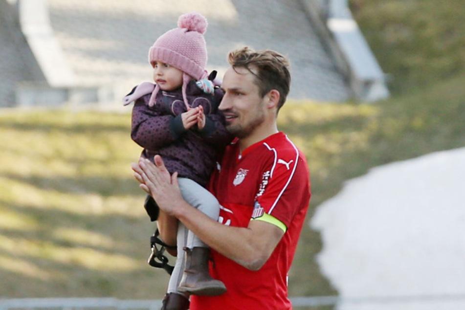 U.a. mit Tochter Frida (3) konnte er sich die letzten Tage von der Saison erholen.
