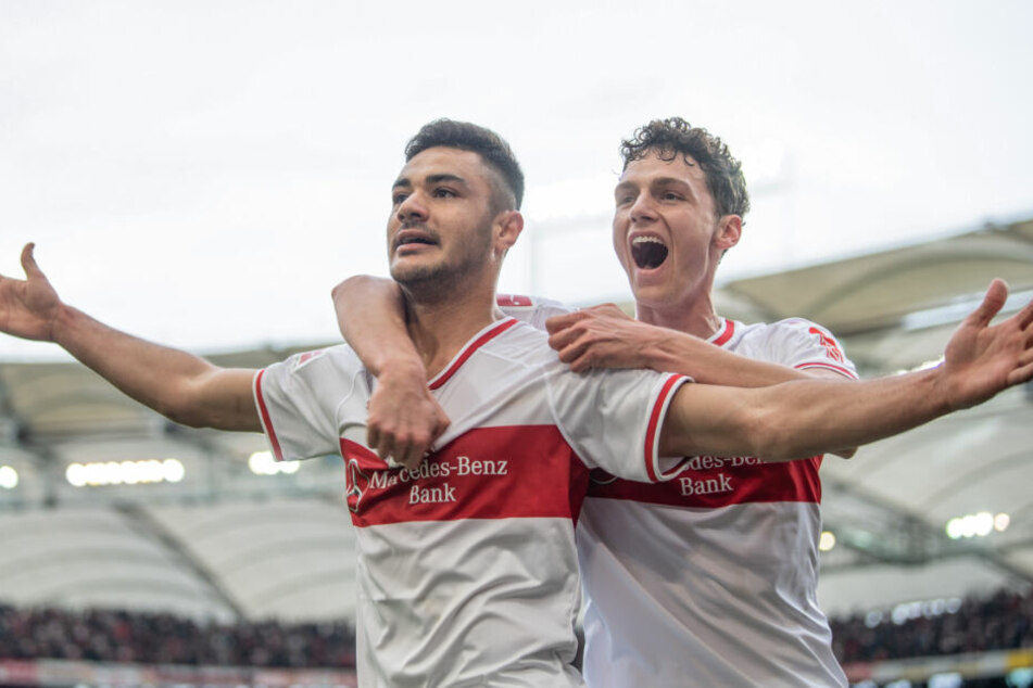 Jubel nach Kabaks (l.) 3:0-Treffer gegen Hannover 96, an seiner Seite: Benjamin Pavard (r.).