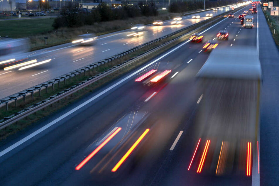 Lkw-Fahrer müssen häufiger kontrolliert werden, meint der AvD. (Symbolbild)