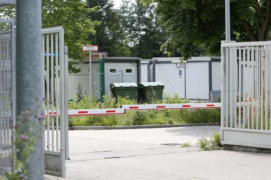 In der Unterkunft auf dem ehemaligen Kasernengelände in Bad Segeberg haben die Berliner Polizisten gefeiert.
