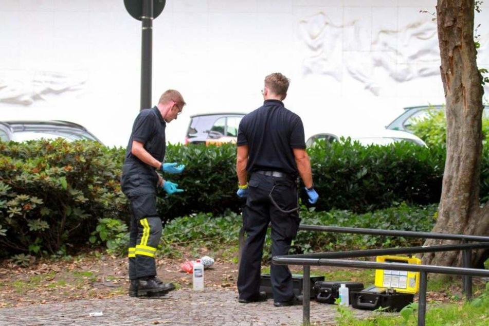 Feuerwehrleute, die Polizei und Sanitäter waren vor Ort im Einsatz.
