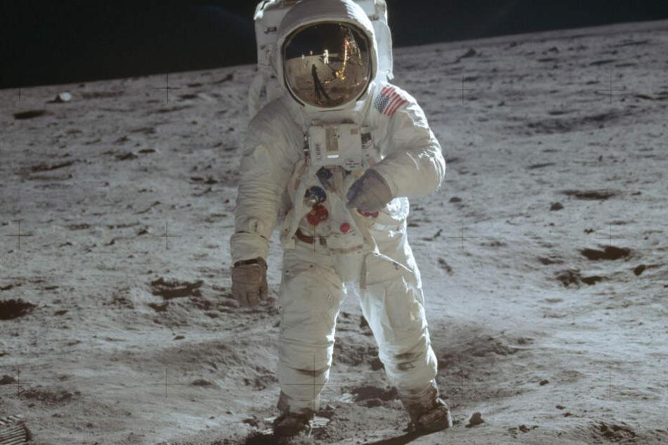 Während der Astronaut Buzz Aldrin auf der Mondoberfläche spazierte, lag Ulrich Walter im Bett. (Archivbild)