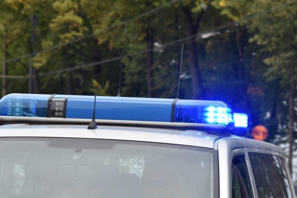 Neonazis waren auf der Rückreise von einer Demo in Dessau-Roßlau, als sie versuchten die Magdeburger Polizeiwache zu stürmen.