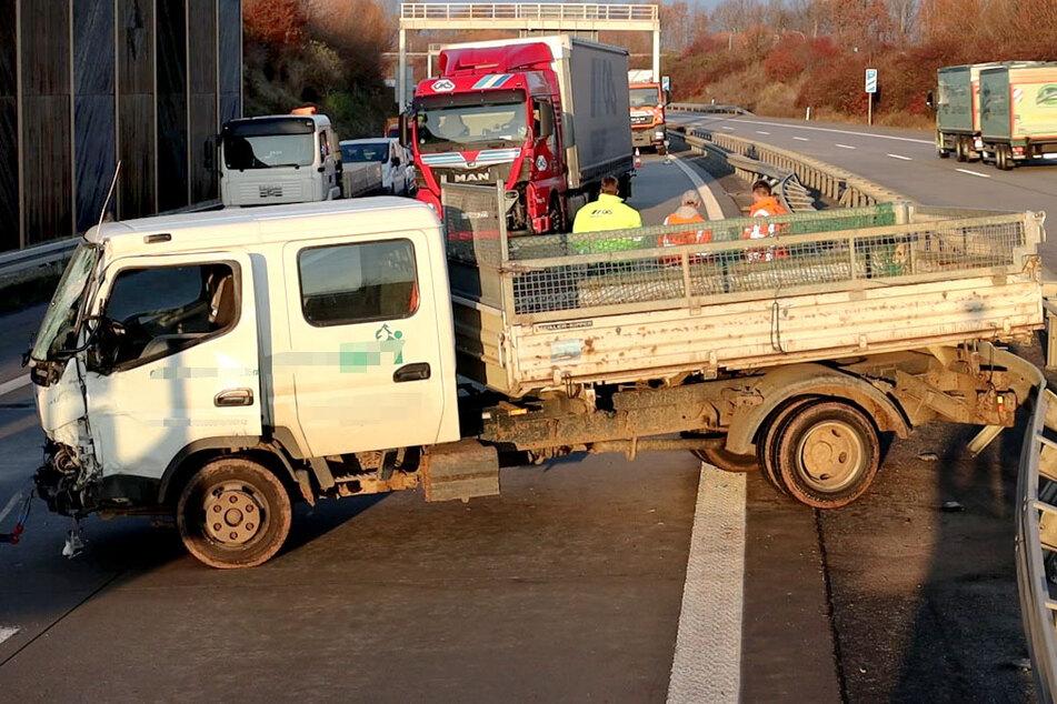 Heftiger LKW-Unfall auf der A72 bei Chemnitz: War ein Fehler beim Auffahren Schuld?