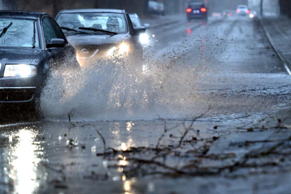 Am Mittwoch wird es wieder stürmisch und nass im Deutschland.