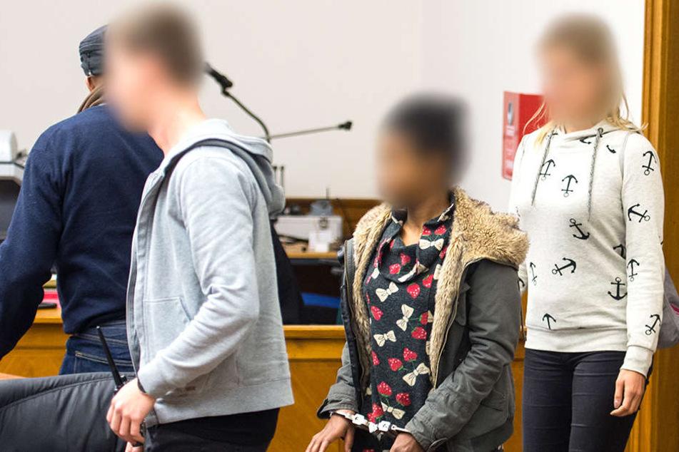 Die Mutter des Kindes (Mitte) wurde 2017 des Mordes für schuldig befunden.