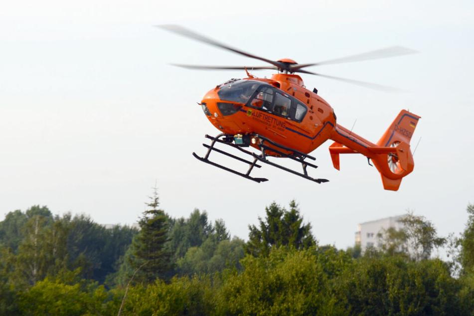 Ein Rettungshubschrauber brachte den Jungen ins Krankenhaus. (Symbolbild)