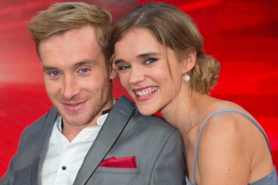 Trotz seines Schicksals ein lebensfroher Mensch: Samuel Koch (30) mit seiner Frau Sarah (32).