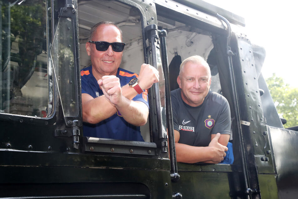 Wie zwei Lokomotivführer! Präsident Helge Leonhardt (l.) und Geschäftsführer Michael Voigt steuerten die FCE Aue bisher sicher durch die Corona-Krise.