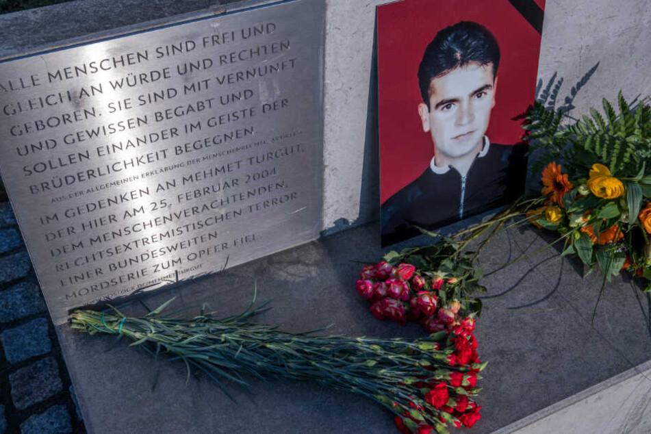 Zur Erinnerung an Mehmet Turgut steht in Rostock eine Gedenkstätte.