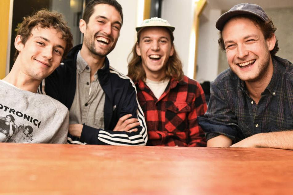 Die Band AnnenMayKantereit (l-r): Henning May, Christopher Annen, Malte Huck, und Severin Kantereit.