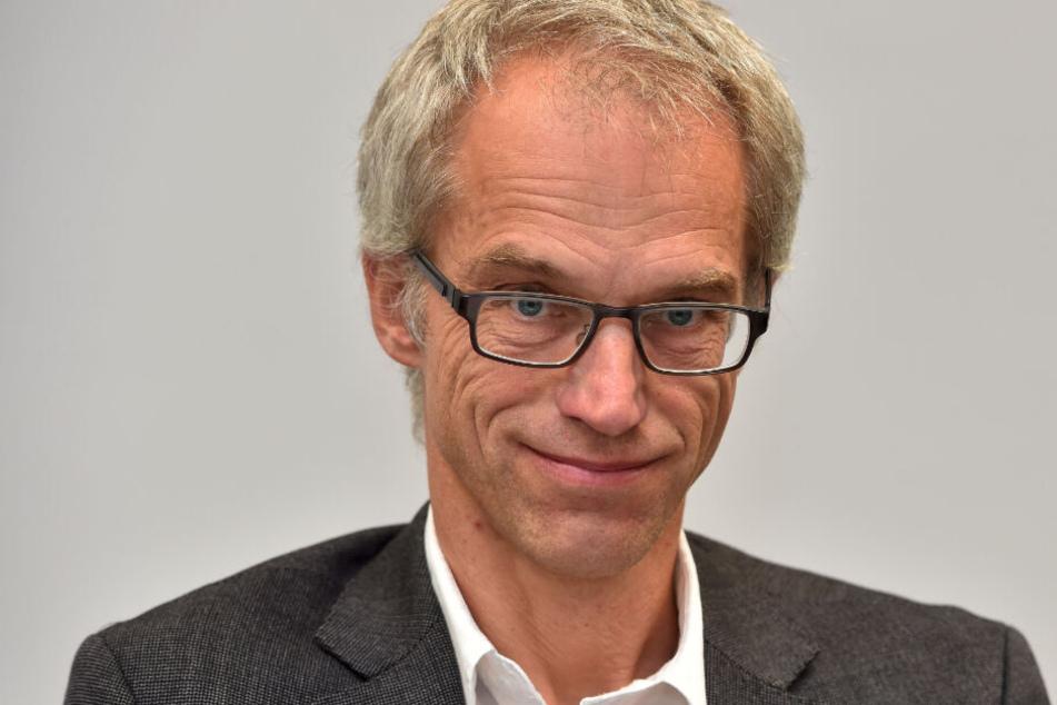 Der Leiter des Schulverwaltungsamtes, Falk Schmidtgen (†54), kam bei dem Unfall ums Leben.