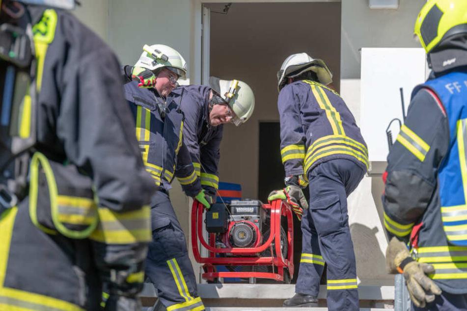 In der Wohnung hatte eine Mikrowelle für ordentlich Rauch gesorgt.