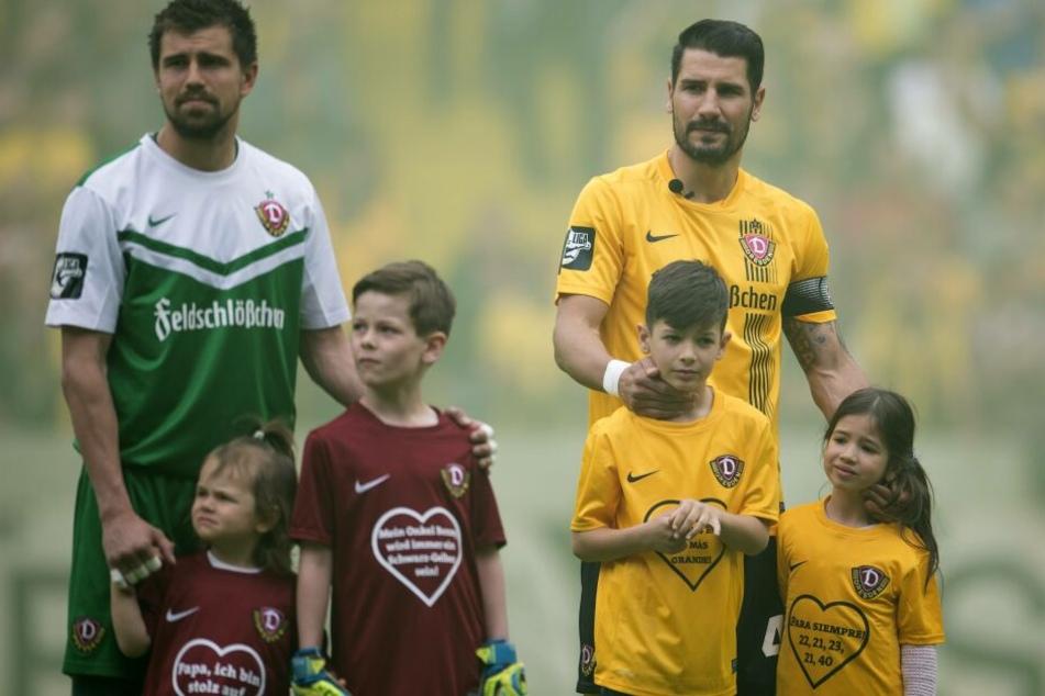 Cristian Fiel mit seinen Kindern Noah und Sienna bei seinem letzten Spiel für Dynamo im Mai 2015.
