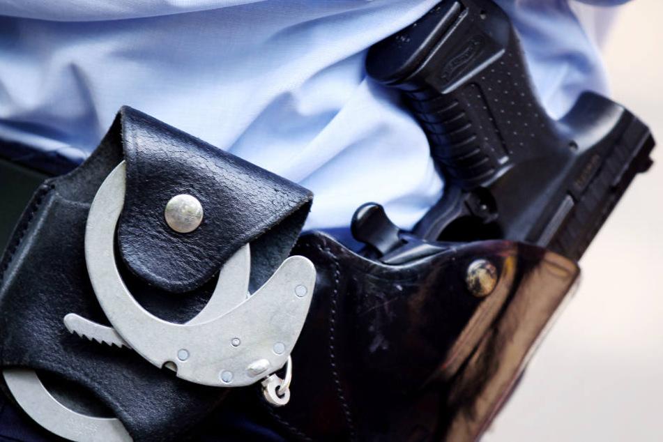 Die Spielzeugwaffe ist der Mann nun los, auf ihn kommt ein Verfahren zu. (Symbolbild)