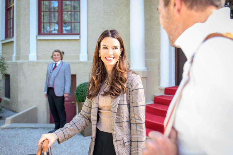 Nadjas Ankunft im Fürstenhof. Was hat sie vor?