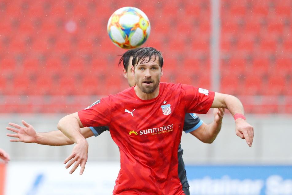 Man sieht es Ronny König regelrecht an - der Spaß am Fußball ist dem FSV-Oldie ins Gesicht geschrieben.