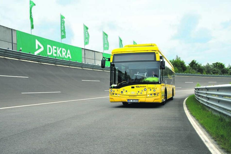 Die Dresdner Verkehrsbetriebe haben die Prototypen der Carbonfelge auf dem  DEKRA-Testgelände am Lausitzring mit einem Elektrobus getestet.