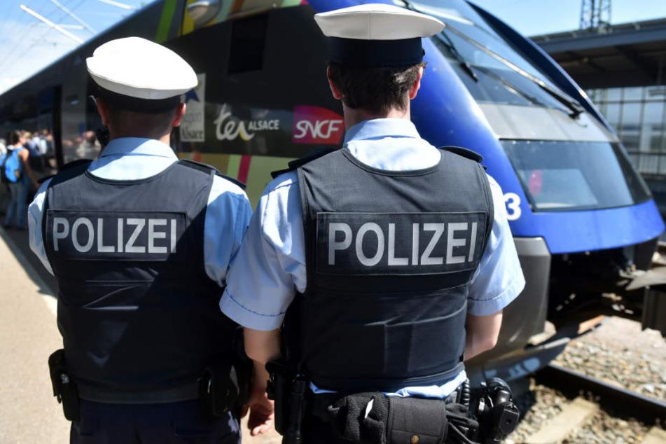 Die Bundespolizei sucht nach den Tätern. (Symbolbild)