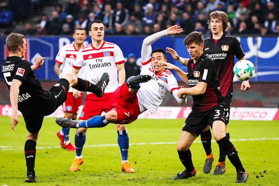 Lang, lang ist´s her: Wood dynamisch und artistisch für den HSV auf dem Spielfeld.