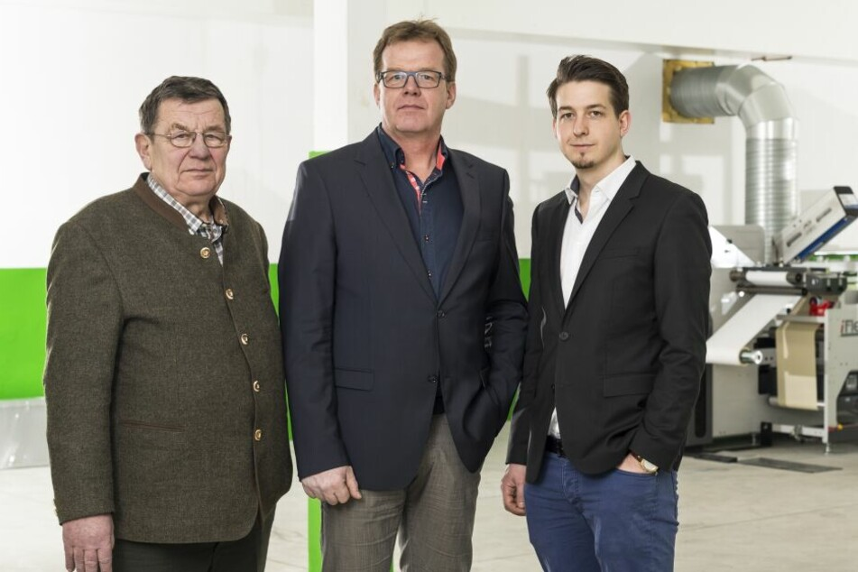 Drei Generationen: Geschäftsführer Paul Peters (gest. 2018), Sohn Achim und dessen Enkel Christian (v.li.)