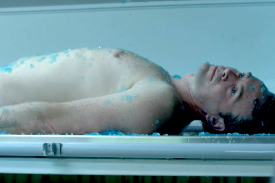 Das Drehbuch zum düsteren Szenario der Serie schrieben Claude Scasso und Patrick Benedek.
