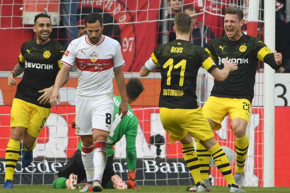 Ex-Borusse und heutiger VfBler Gonzalo Castro muss den Jubel seiner ehemaligen Kollegen ertragen.