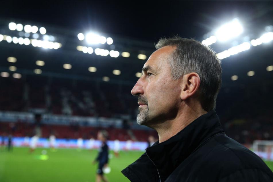 Platz 16 in der Bundesliga, Pokal-Blamage gegen Saarbrücken: Effzeh-Coach Achim Beierlorzer steht mächtig unter Druck.