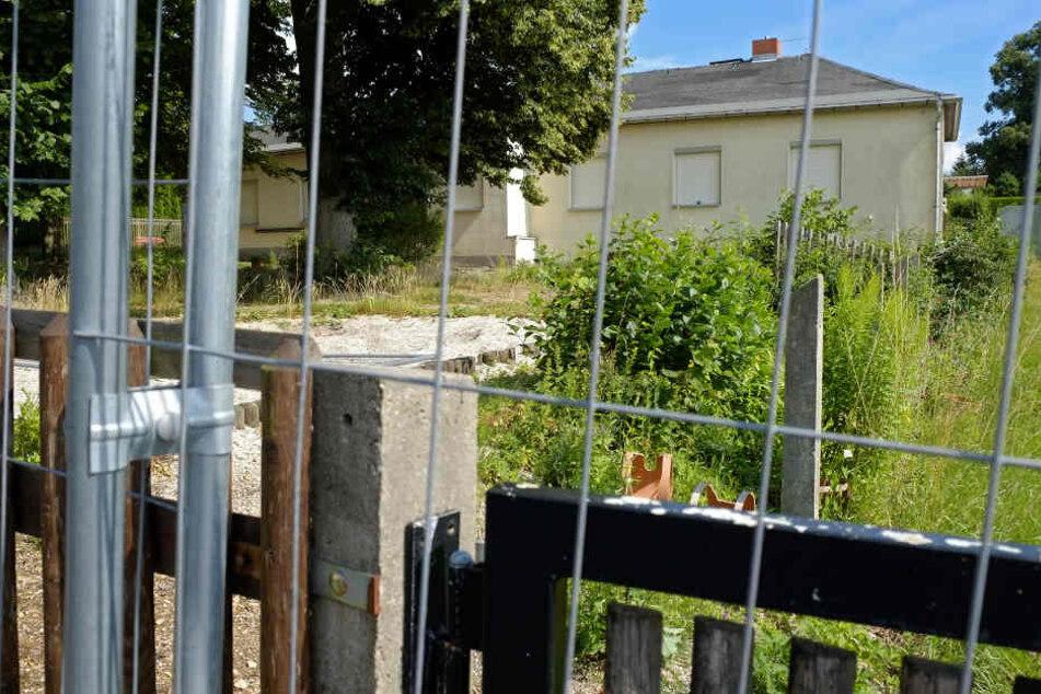 Reichenhainer Eltern und Kinder sind bedient. Weil ihre Kita nicht weiter saniert wird, müssen sie nach Bernsdorf pendeln.