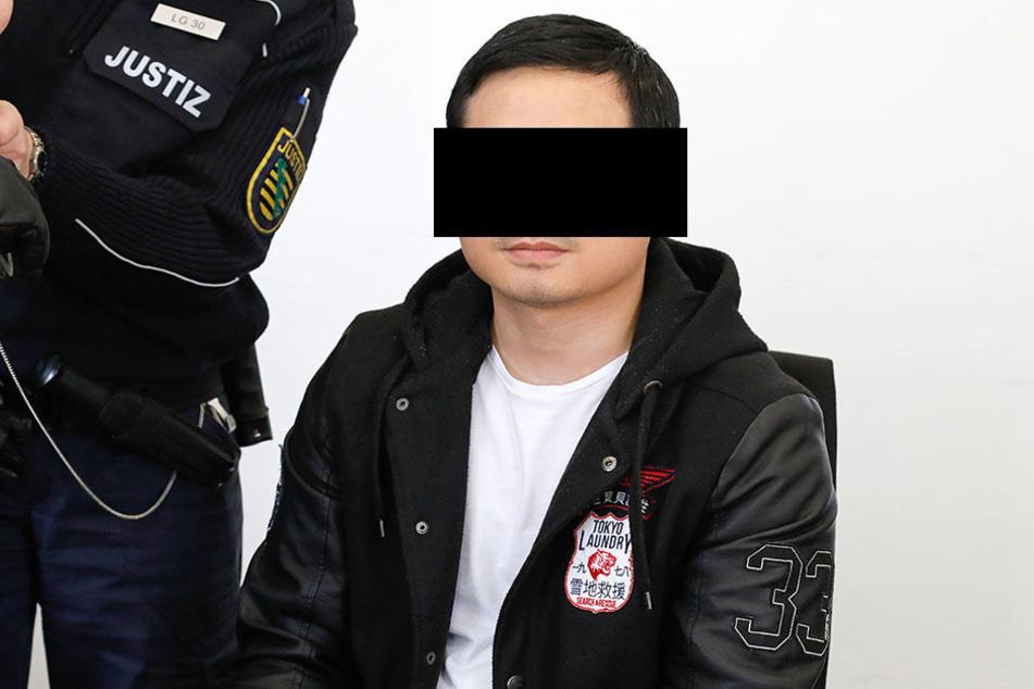 Thai Phuong H. (26) musste am Dienstag vor Gericht, weil er einen Mithäftling mit dem Nudelholz attackiert hatte.