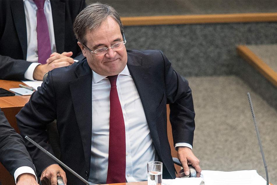 """NRW-Ministerpräsident Armin Laschet wurde im Landtag als der """"Schuldenkaiser von Deutschland"""" bezeichnet."""