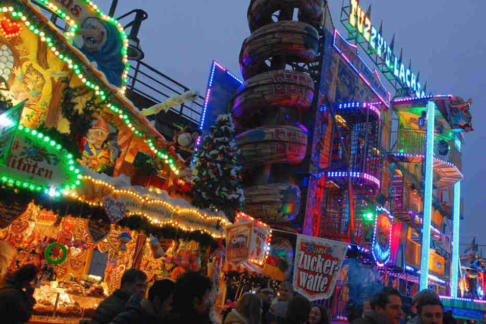 Auf dem Weihnachtsmarkt am Berliner Alexa wurde ein Mädchen sexuell belästigt.