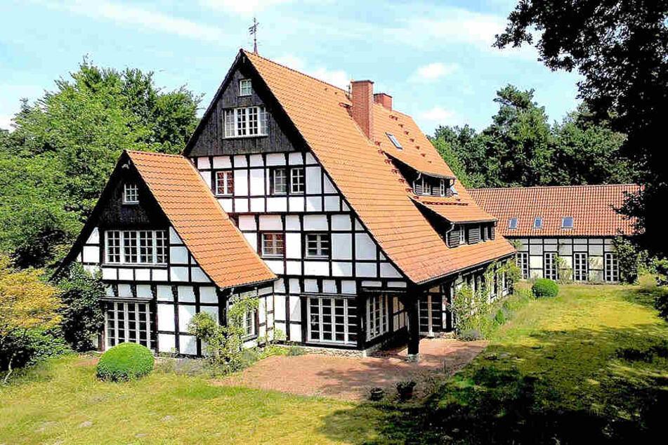 Knapp zwei Millionen Euro soll die Middelhoff-Villa kosten.