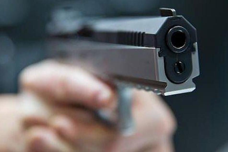 Die Schüsse wurden aus einem Kleinwagen abgefeuert. (Symbolbild)