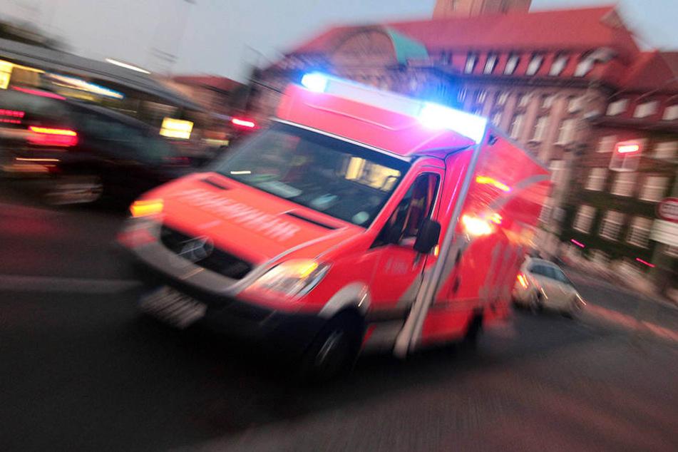 In Leipzig sind drei Menschen bei einem Verkehrsunfall verletzt worden. (Symbolbild)