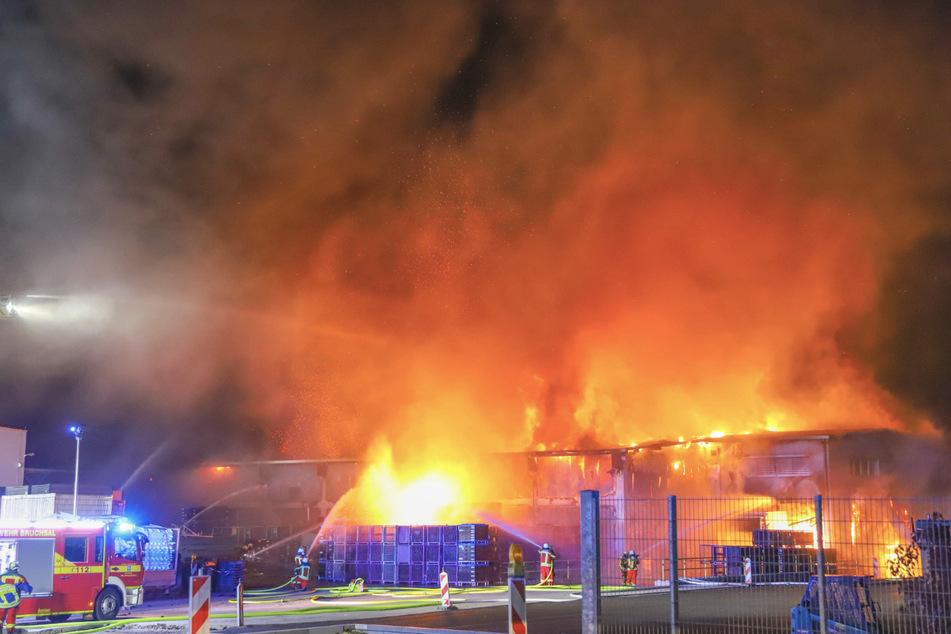 Millionenschaden bei Großbrand in Firma
