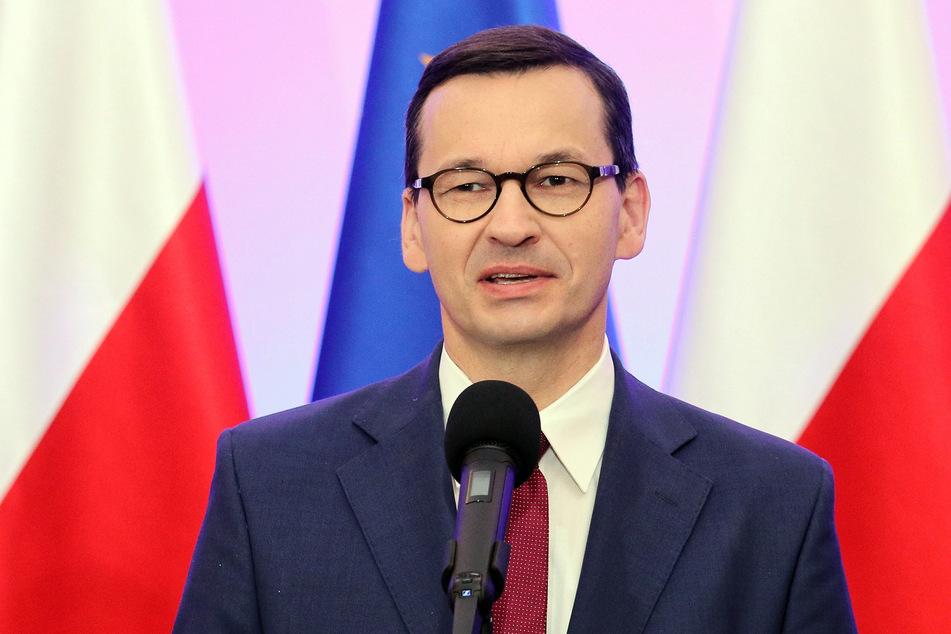 Polen, Warschau: Mateusz Morawiecki, bisheriger Ministerpräsident von Polen, spricht vor einem Treffen mit der designierten EU-Kommissionspräsidentin von der Leyen.