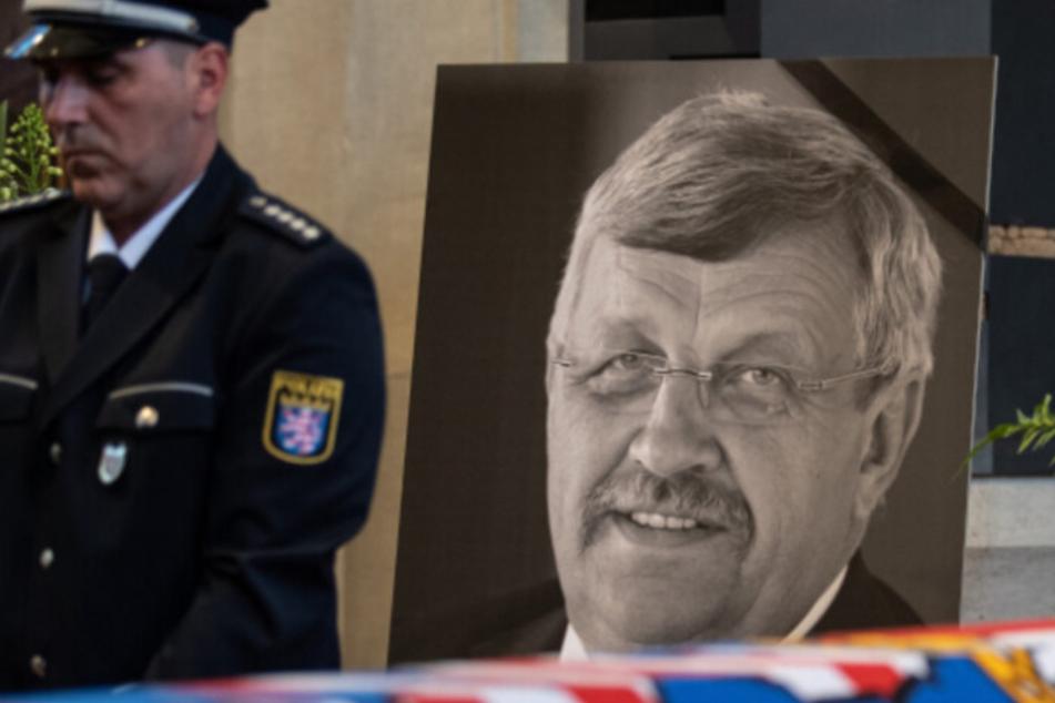 Auftakt im Mord-Prozess um Lübcke: Witwe und Söhne nehmen teil