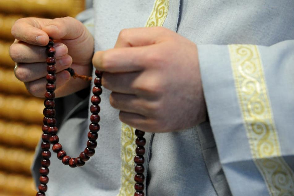 Die Seelsorger halten ihre Predigten auf Deutsch. (Symbolbild)