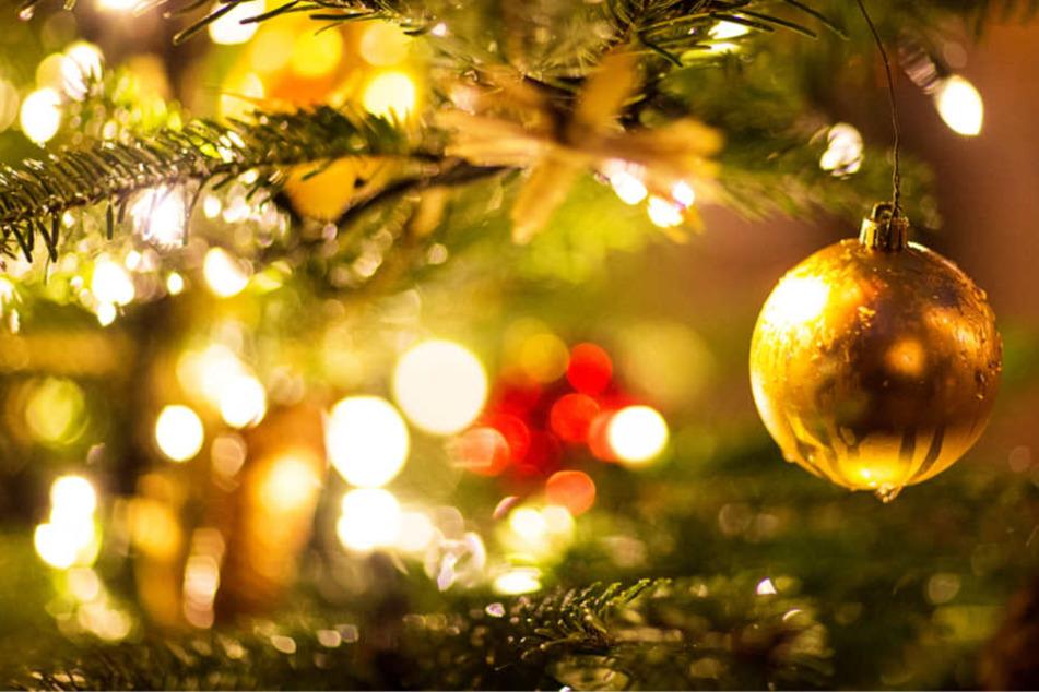 Einsamkeit an Weihnachten kann viele Menschen betreffen (Symbolbild).
