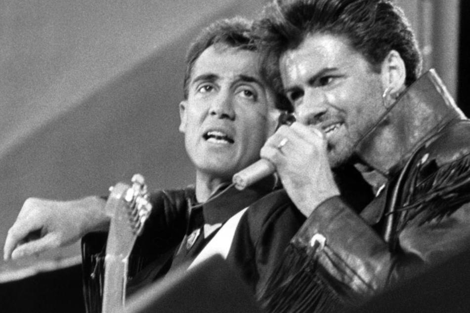 """Michael (re.) mit Andrew Ridgeley als Pop-Duo """"Wham""""."""
