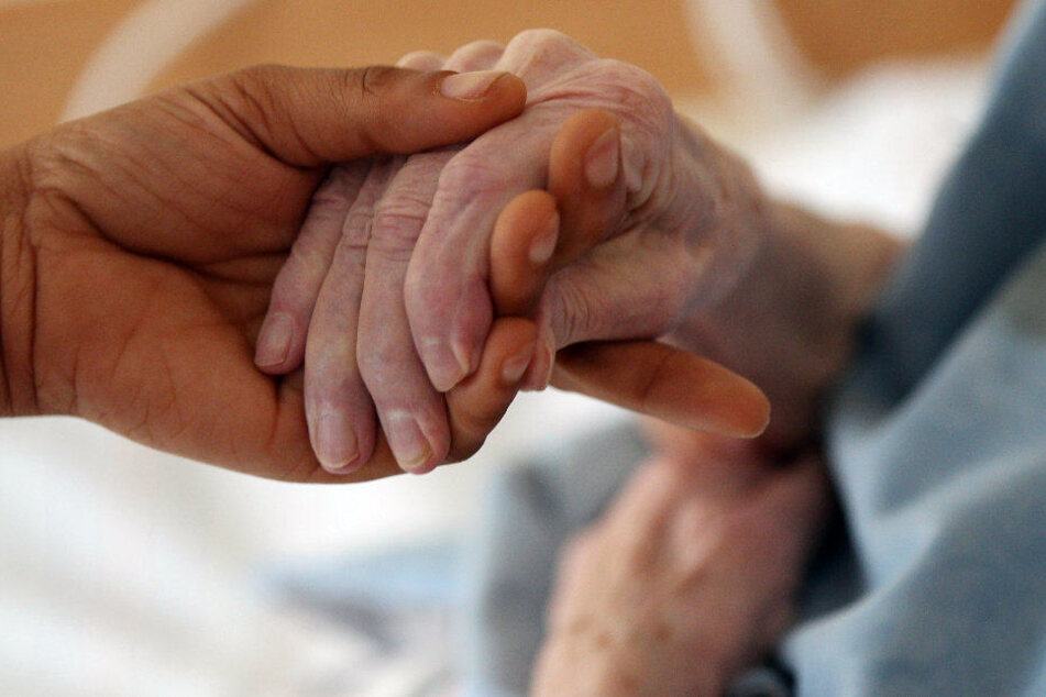 Eine 66-jährige Frau aus Thüringen starb bereits an der Grippewelle. (Symbolbild)